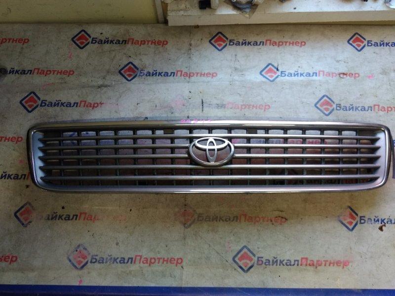 Решетка радиатора Toyota Hiace KZH106V 20345