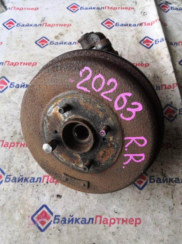 Ступица Nissan Largo VNW30 CD20 задняя правая