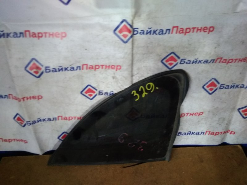 Стекло собачника Nissan Tino HV10 SR20DE 1999 правое 329