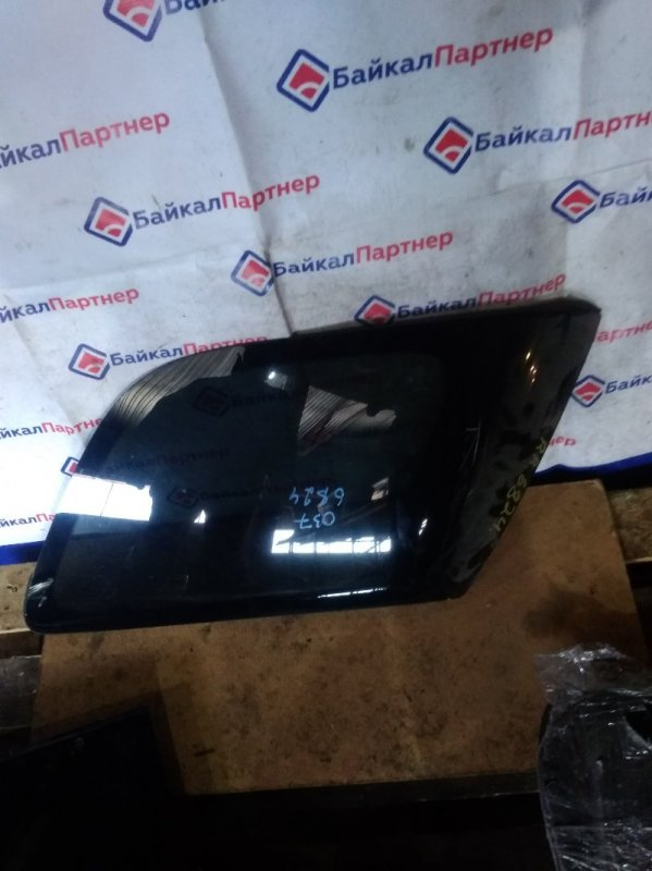 Стекло собачника Toyota Rav4 ACA20W 1AZ-FSE 2002 заднее правое 6824