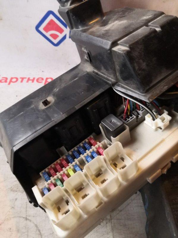 Блок предохранителей Nissan Presage TNU31 QR25DE 2005 3208