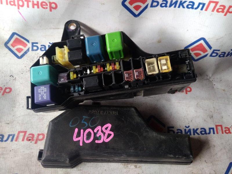 Блок предохранителей Toyota Altezza GXE10 1G-FE 1999 4038