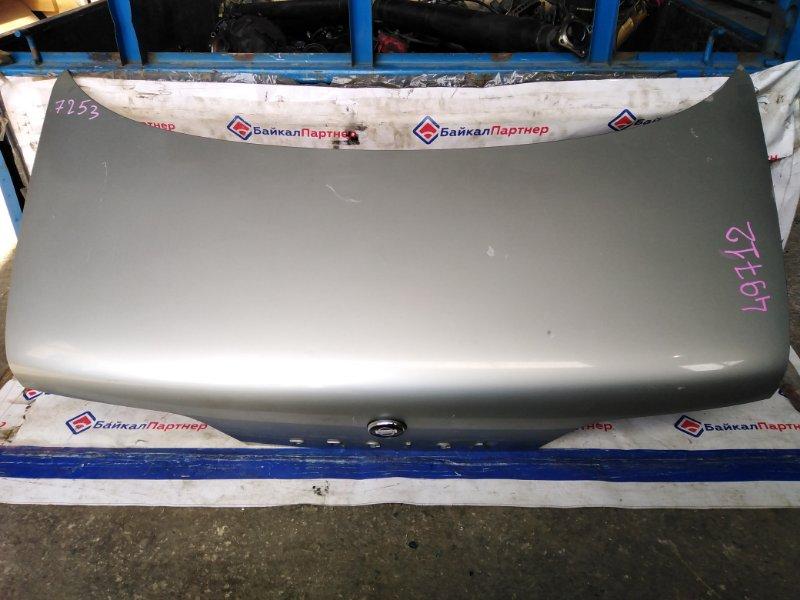 Крышка багажника Nissan Presea R11 1992 задняя