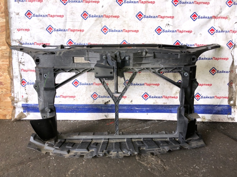 Рамка радиатора Mazda Axela BK5P ZY-VE