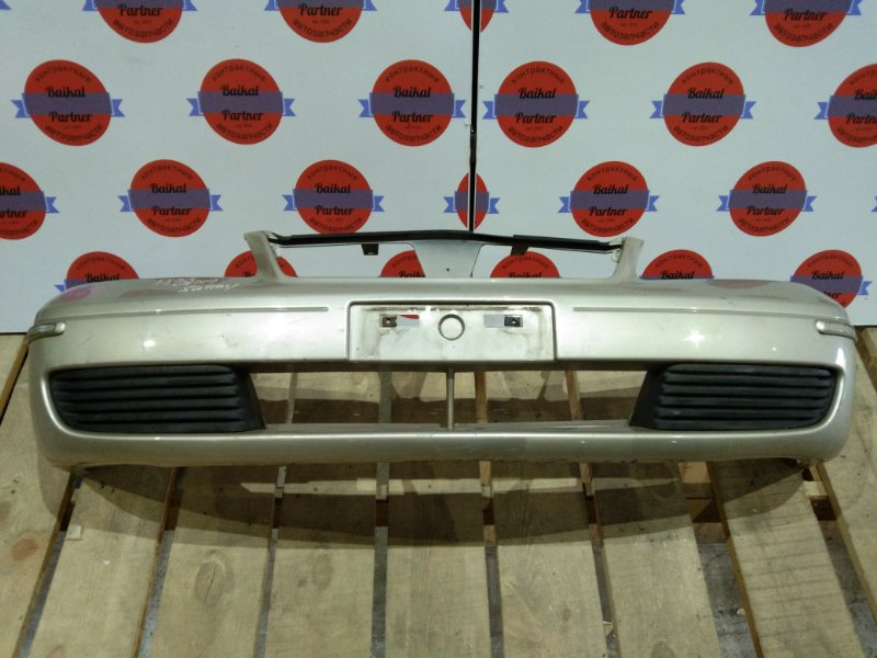 Бампер Nissan Sunny FNB15 QG15DE 09.2003 передний