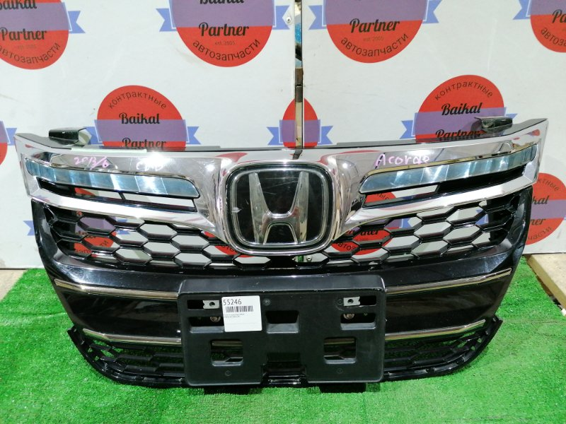 Решетка радиатора Honda Accord CR6 передняя