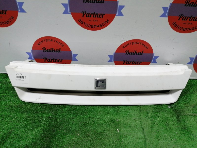 Решетка радиатора Nissan Cube AZ10 CGA3DE