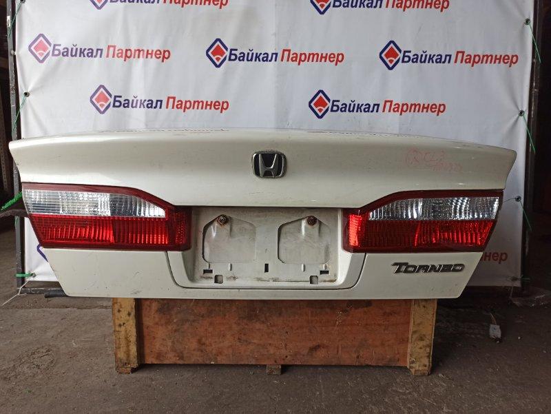 Крышка багажника Honda Torneo CL3 F20B задняя