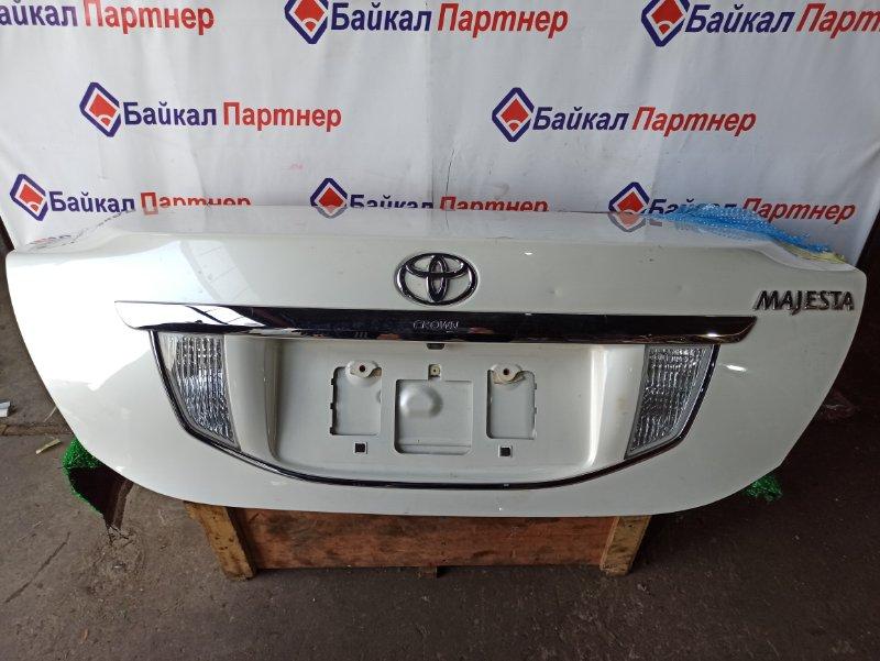 Крышка багажника Toyota Crown Majesta URS203 2009.6