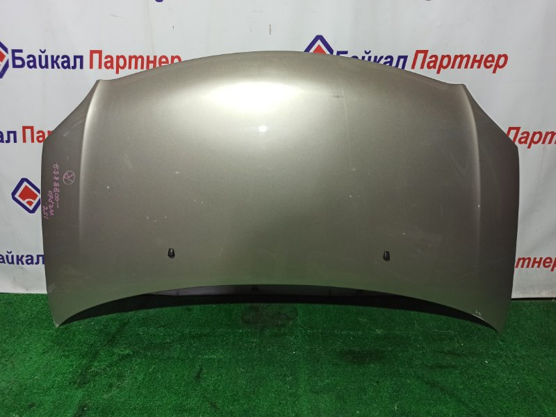 Капот Toyota Ist NCP60 2NZ-FE передний