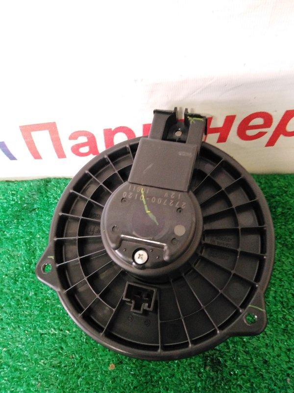 Мотор печки Toyota Ist NCP65 1NZ-FE 2004
