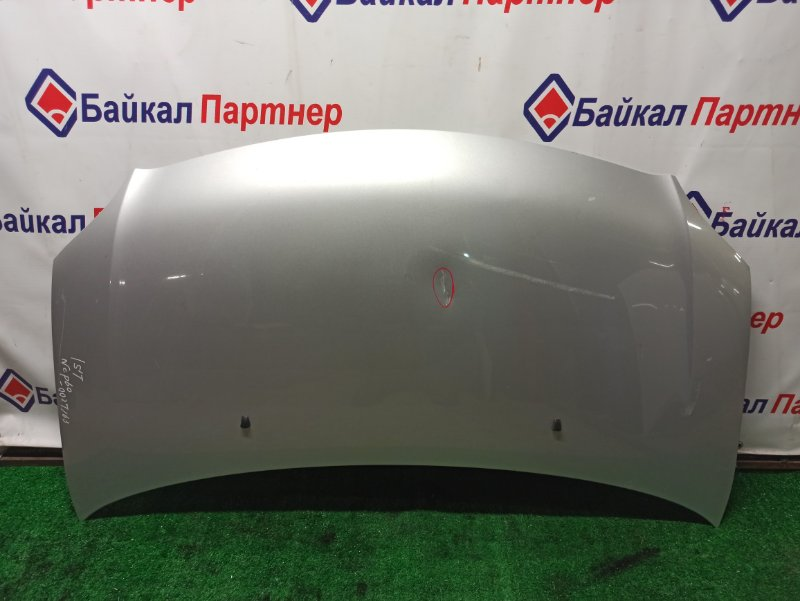Капот Toyota Ist NCP60