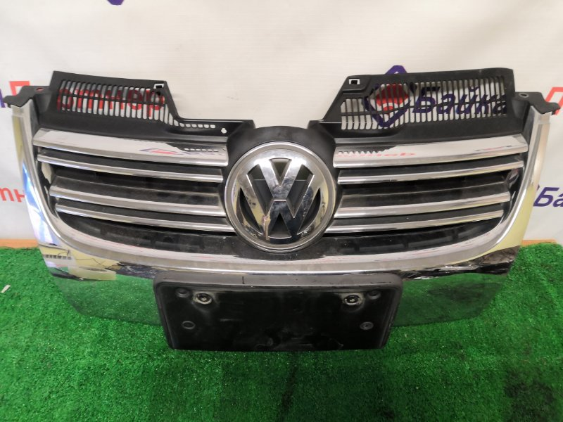 Решетка радиатора Volkswagen Jetta 1K2 BVY 2005