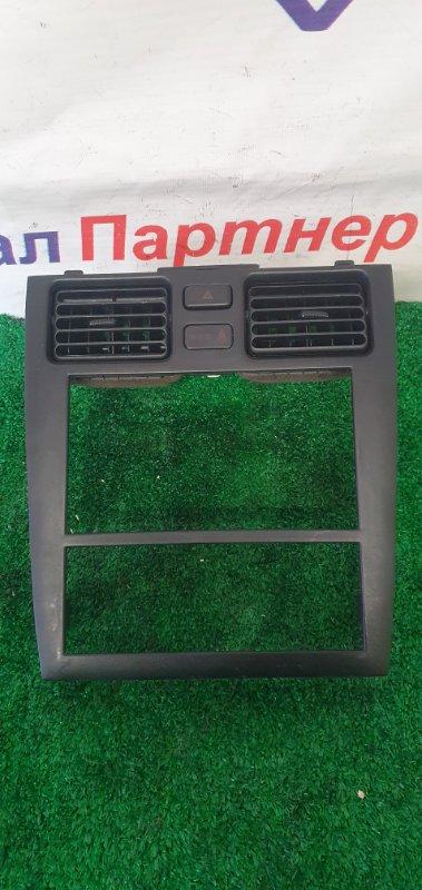 Консоль магнитофона Toyota Caldina ST215G 3S-FE 2000