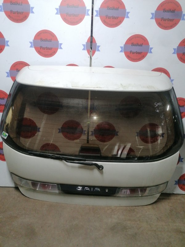 Дверь 5-я Toyota Gaia SXM15G 3S-FE задняя