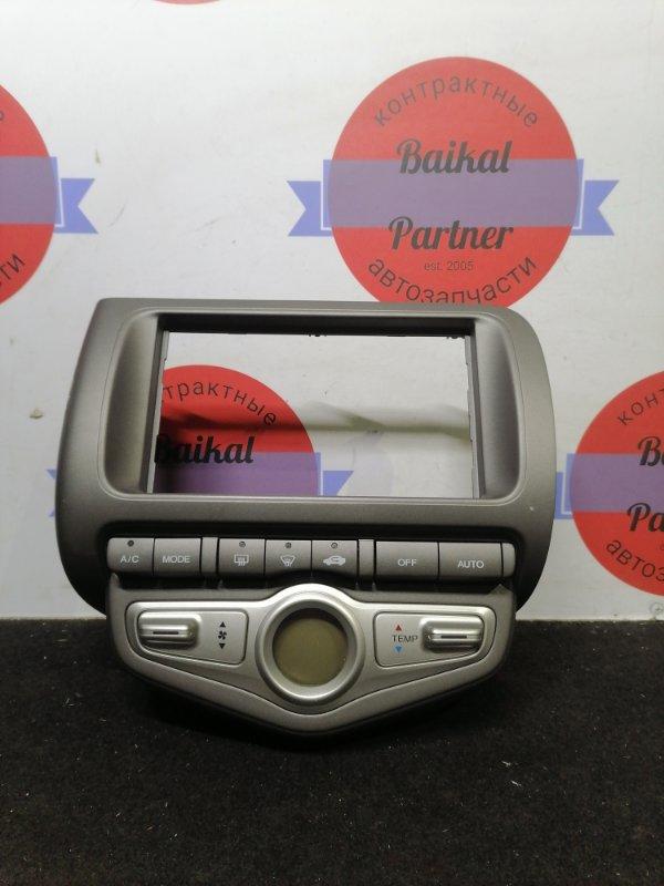 Консоль магнитофона Honda Fit GD1