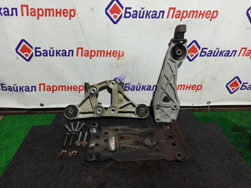 Подушка редуктора Toyota Isis ANM15W 1AZ-FSE задняя