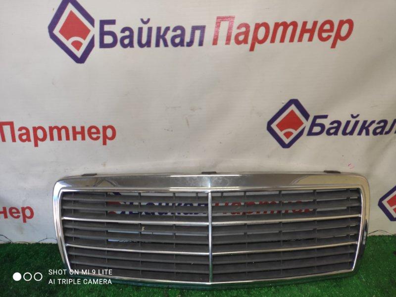 Решетка радиатора Mercedes-Benz C-Class W202