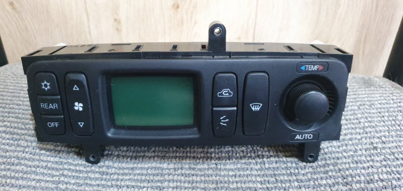 Блок управления климат-контролем Mitsubishi Pajero V45W 1998 5032