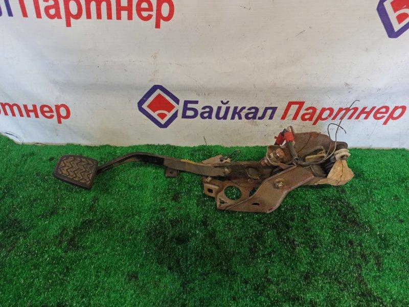 Педаль сцепления Toyota Rav4 ACA21W 1AZ-FSE 2224