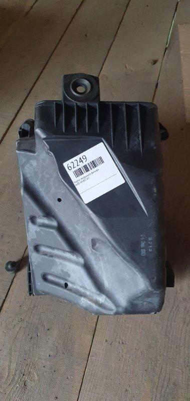 Корпус воздушного фильтра Audi A4 8EC ALT