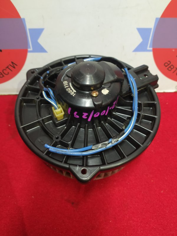 Мотор печки Honda Stream RN2 D17A