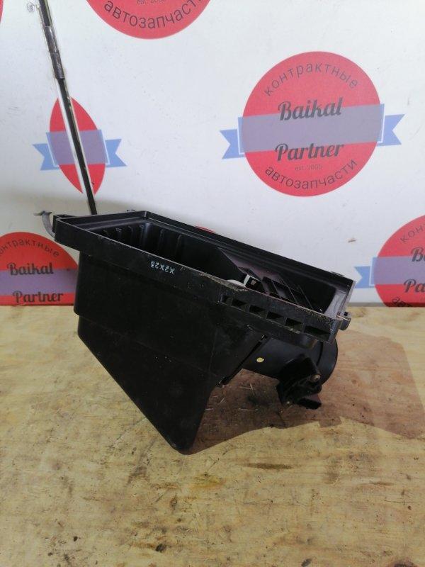 Корпус воздушного фильтра Nissan Liberty RM12 QR20DE