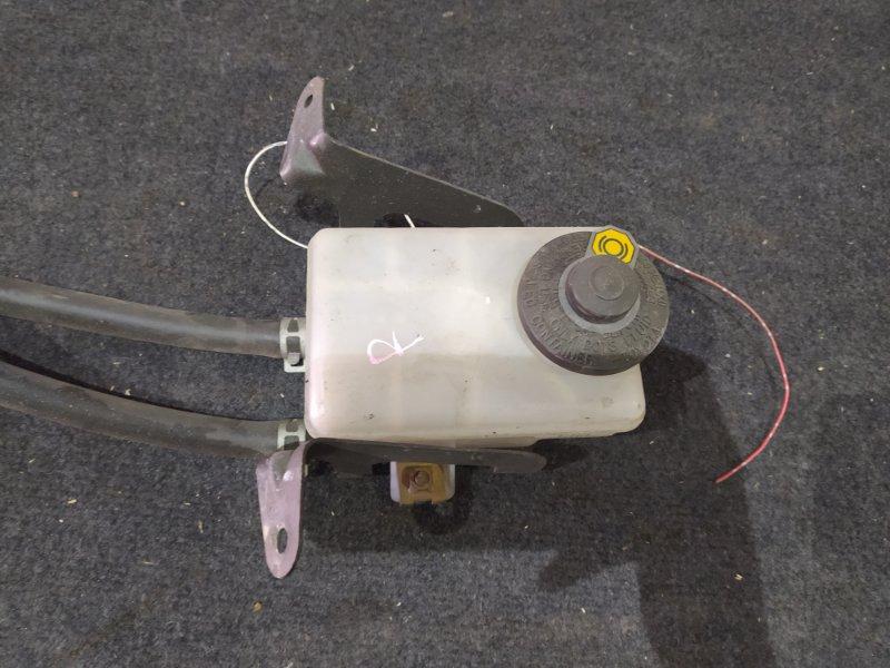 Бачок для тормозной жидкости Toyota Alphar MNH15 1MZ-FE