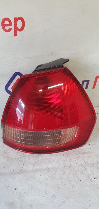 Стоп Nissan Wingroad WHNY11 QG18DE 2003 задний правый 220-24824
