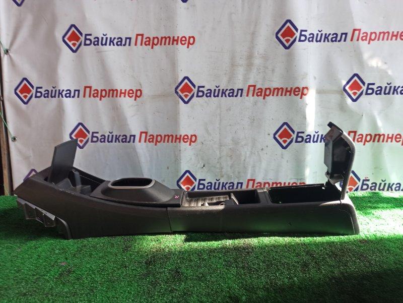 Консоль между сидений Nissan Tiida C11