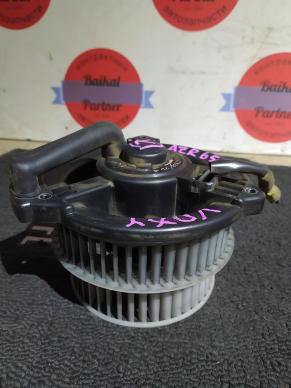 Мотор печки Toyota Voxy AZR65 1AZ-FSE