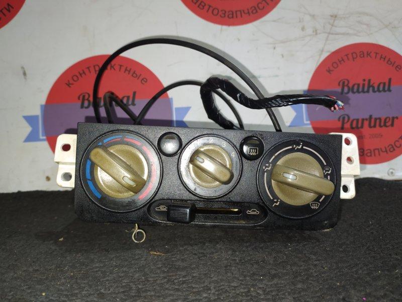 Блок управления климат-контролем Mazda Demio DW5W B5-E 1996