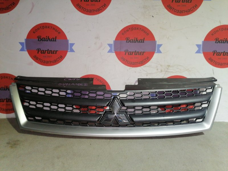 Решетка радиатора Mitsubishi Outlander CW5W 4B12