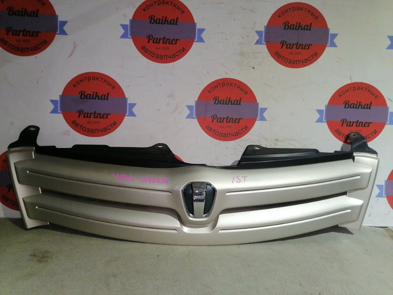 Решетка радиатора Toyota Ist NCP60 2004