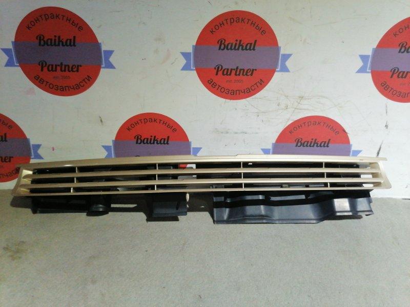 Решетка радиатора Toyota Porte NNP10 2NZ-FE