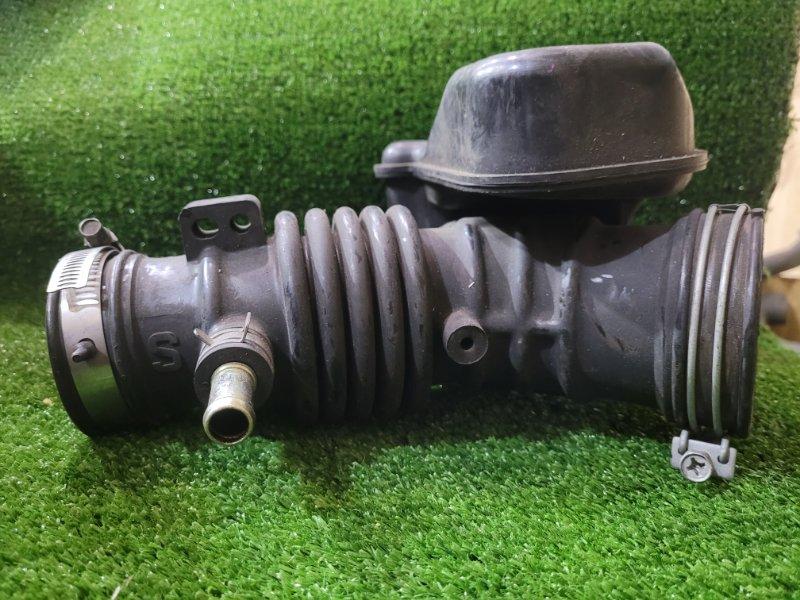 Патрубок воздухозаборника Nissan Sunny FB15 QG15DE
