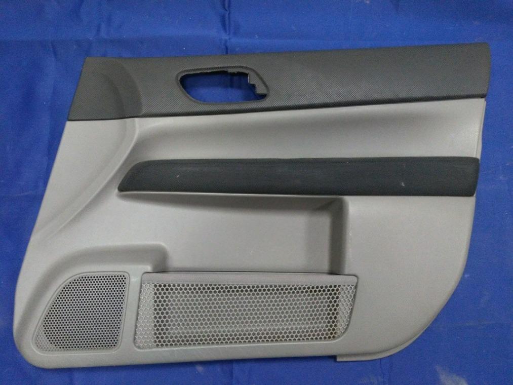 Обшивка двери Subaru Forester SG5 EJ205DXUBE 2002 передняя правая