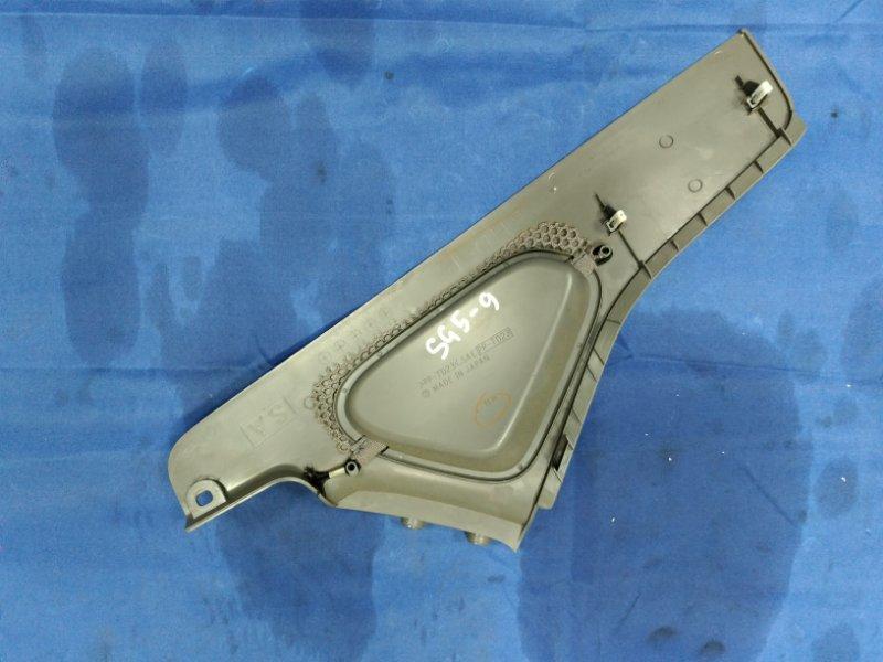 Пластик салона Subaru Forester SG5 EJ205DXUBE 2002