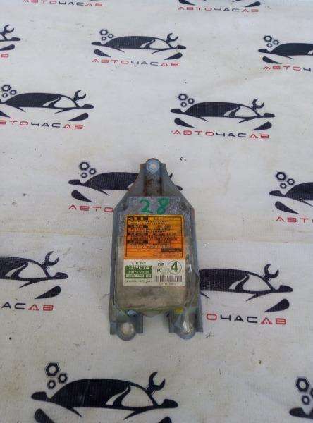 Блок управления abs Toyota Hiace KZH116 1KZTE 2001
