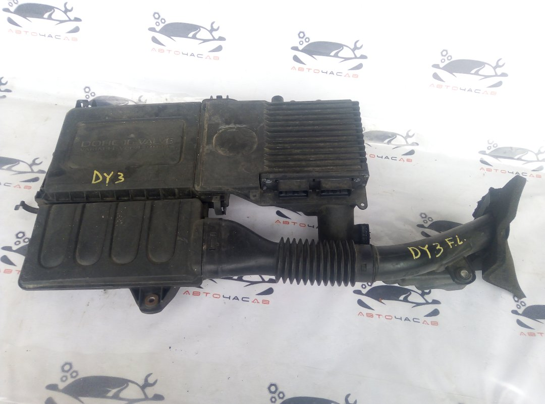 Корпус воздушного фильтра Mazda Demio DY3R