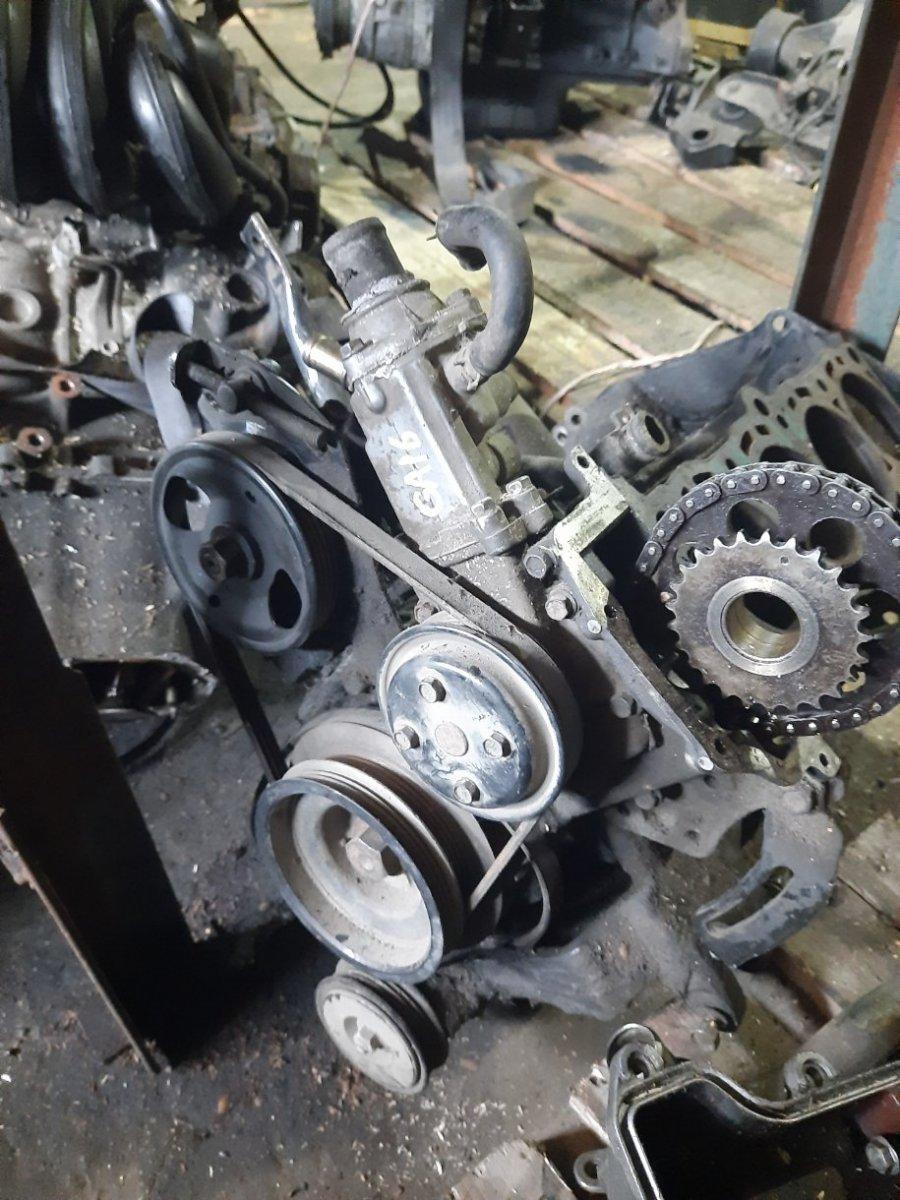 Блок двигателя Nissan Serena VAJC23 GA16