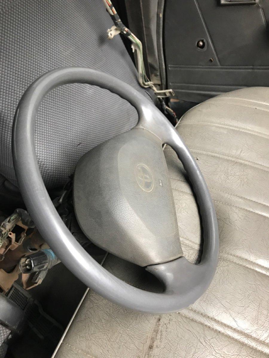 Руль Toyota Hilux LN106 3L 1991