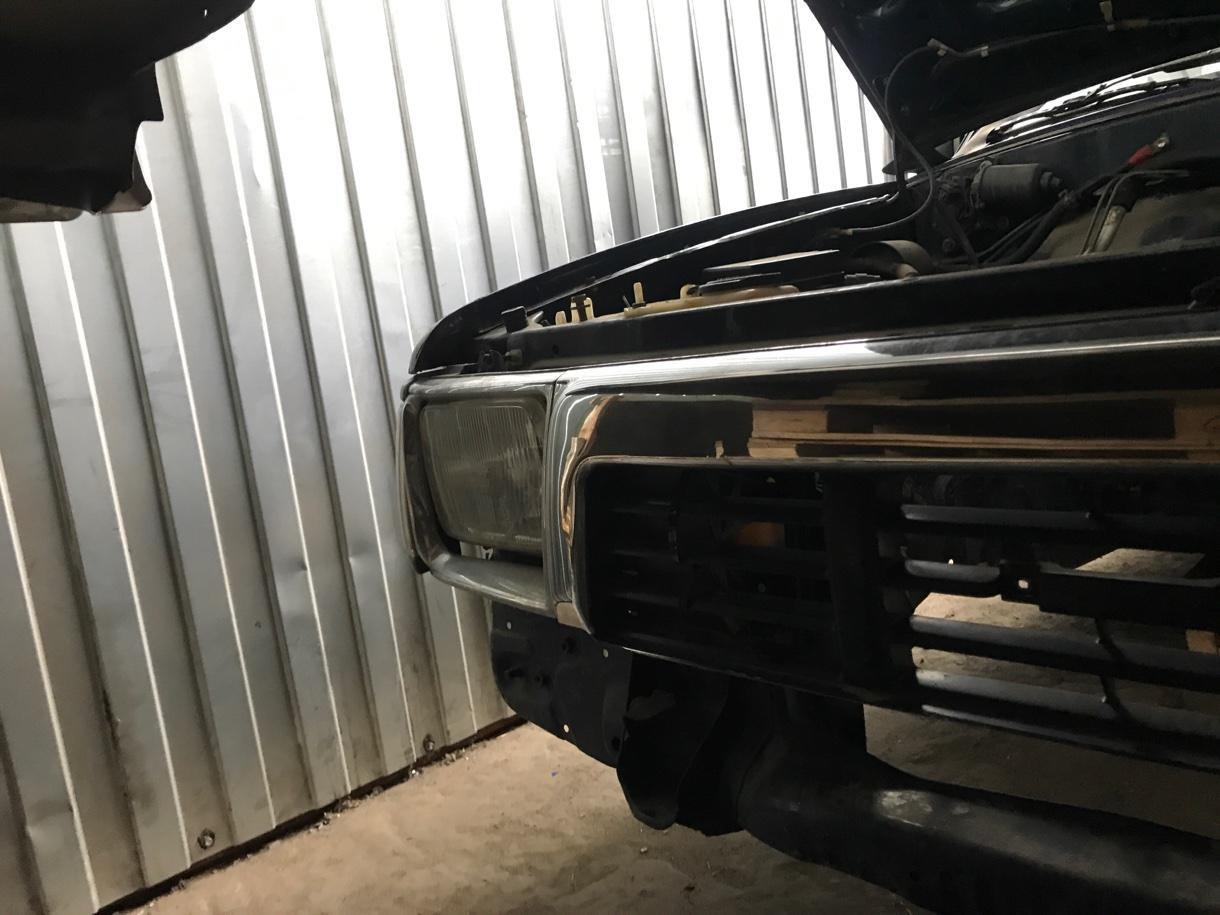 Фара Toyota Hilux LN106 3L 1991 правая