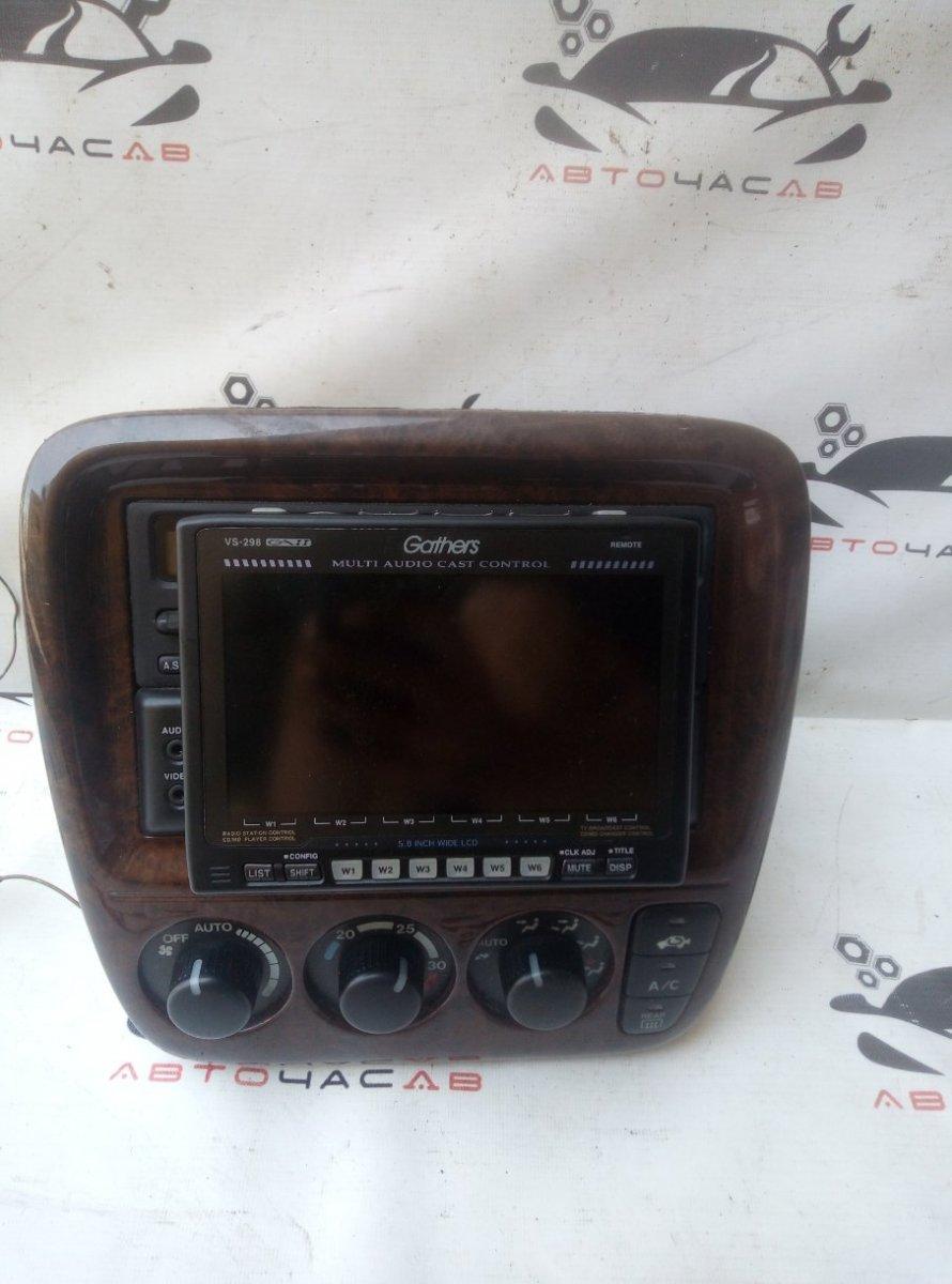 Консоль магнитофона Honda Cr-V RD1 B20B