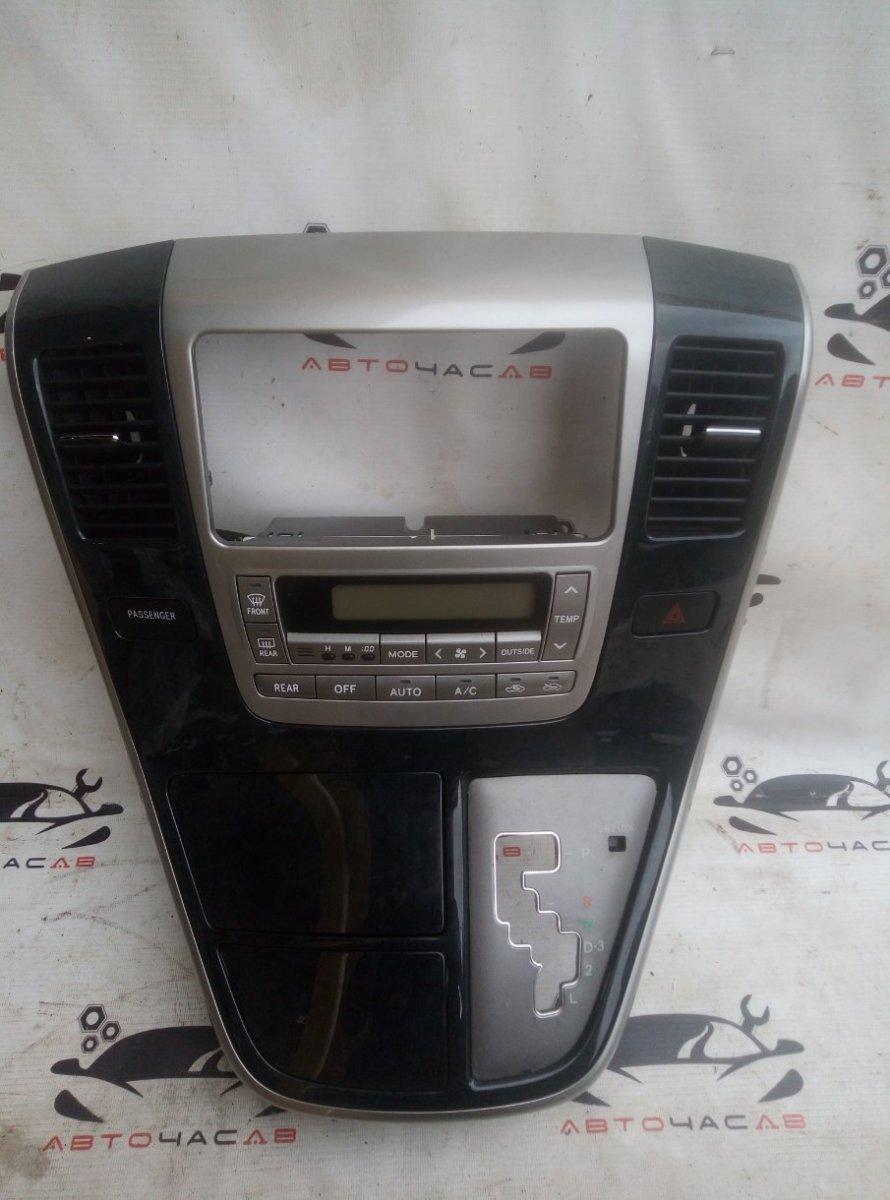 Консоль магнитофона Toyota Alphard ANH10 2AZ 2004