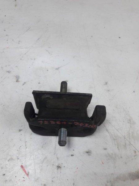 Подушка двигателя Toyota