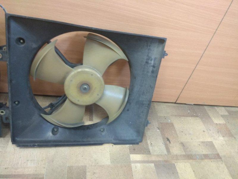 Диффузор радиатора Honda Inspire UA4 правый