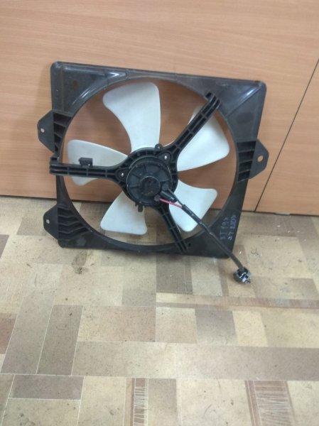 Диффузор радиатора Toyota Caldina ST210 левый