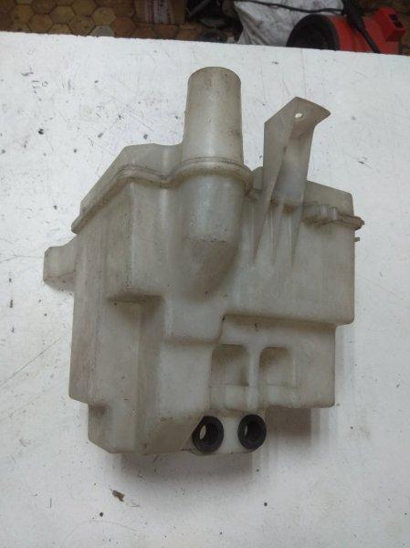 Бачок омывателя Nissan Pressage U30