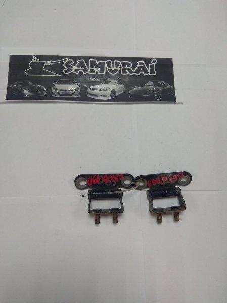 Петли на 5-ю дверь Toyota Caldina ST190